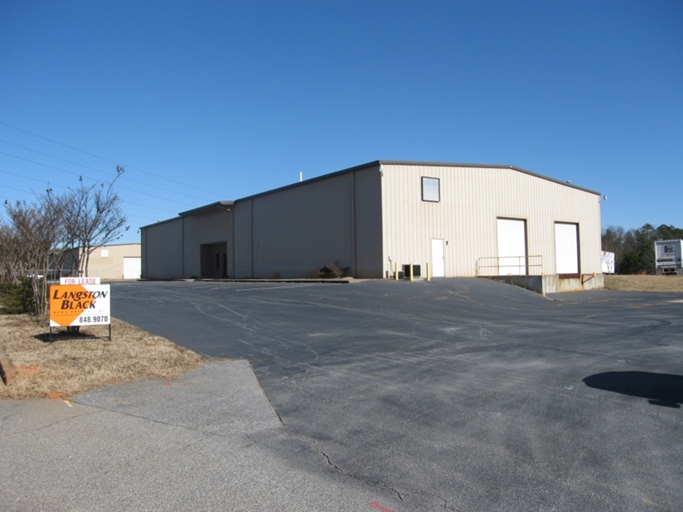 10,500 sf industrial building in Greer, SC